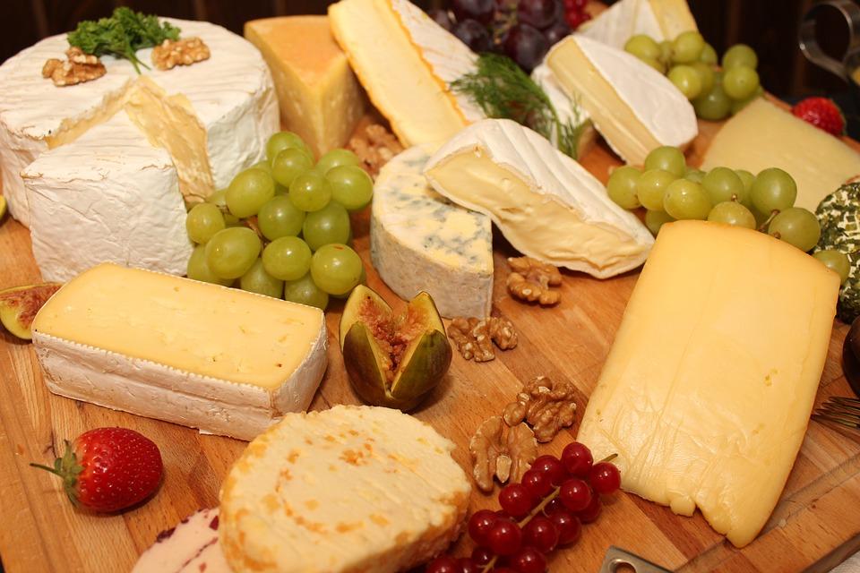 la-ciencia-lo-confirma-comer-queso-ayuda-a-bajar-de-peso-y-a-vivir-mas-anos-002