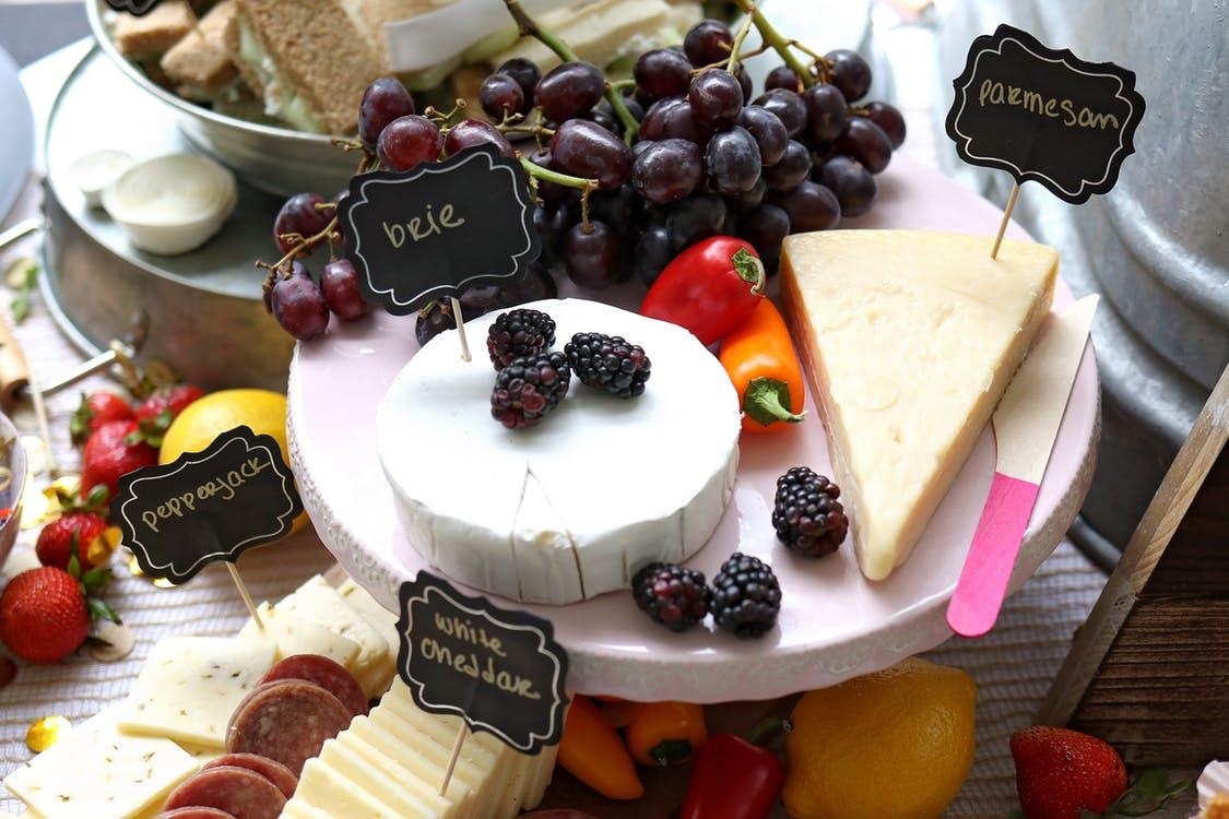 la-ciencia-lo-confirma-comer-queso-ayuda-a-bajar-de-peso-y-a-vivir-mas-anos-006